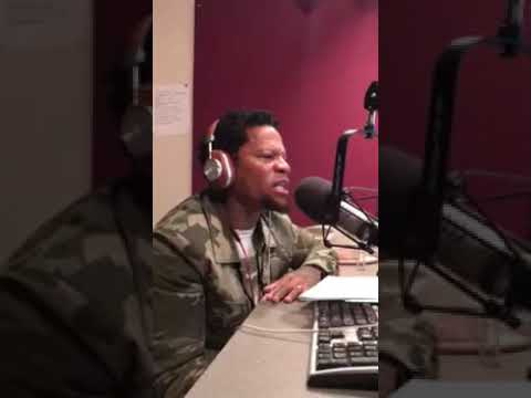 DL Hughley ATMOSPHERE OF FEAR FROM THE LEADER OF THE COUNTRY