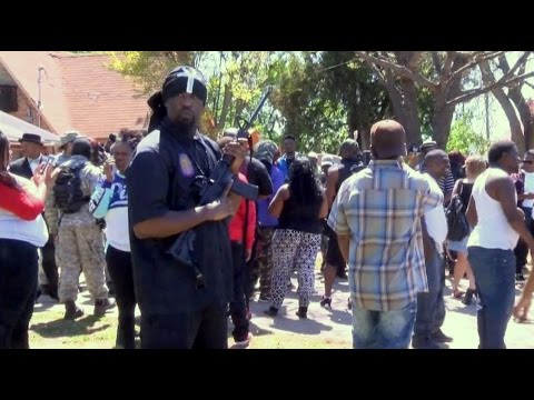 Armed anti-Muslim group turns tail after face-off vs. New Black Panthers w/ weapons